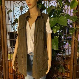 🥰 Liz Claiborne Size XL or 1X Olive Zip Vest